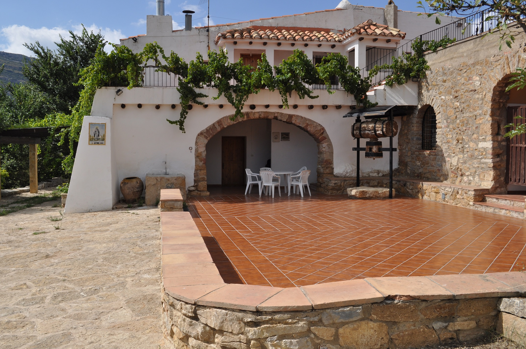 3 terrazas casas rurales en castell n for Terrazas rurales